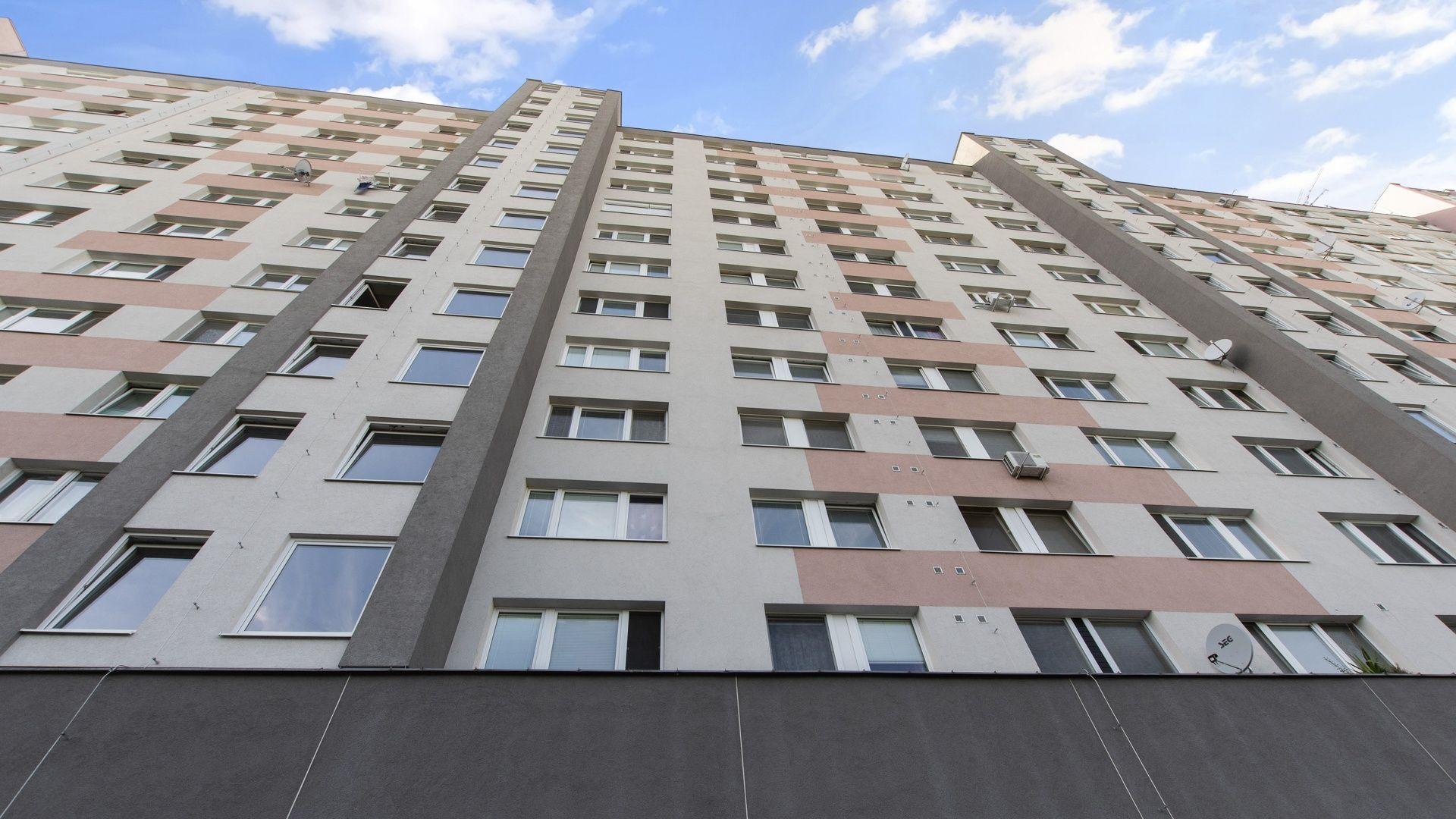 Bytový dom: Topoľčianska 12, 14, Bratislava